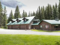 Willow Creek Lodge is a spacious private log home in