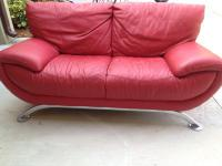 I am selling a gorgeous sofa set of RED NATUZZI