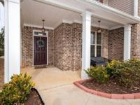 4 bedroom, 3 bath 2 story home in the Flowery Branch