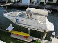 2005 Sea Ray 280 SUNDANCER Stored indoors until 12/11.