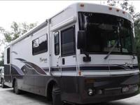 2002 Itasca Horizon 32TD Class A Diesel Low Mileage
