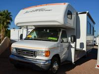 2008 Fleetwood Jamboree Sport w/ 1-Power Slide 31'ft..