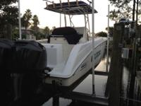 About this 2004 Boston Whaler 270 Outrage Center