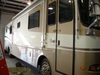 2002 40DST Holiday Rambler Endeavor3 slidesbath