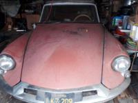 1959 Citroen DS19. Okay, it hasn't been sitting in a