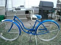 "26"" womans Schwinn Hollywood. 9.9 out of 10 w 3 small"