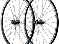 Brand new Shimano XTR WH-M988 F15 Trail Wheelset. Comes