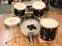 We have a 5 piece Maxx drum set up for sale. It has