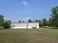 Beautiful home just off the lake in Bonifay, FL. 5BD,