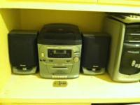 -LIKE NEW CONDITION,VENTURER 5 CD MINI HI-FI SYSTEM.