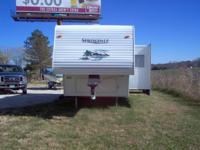 2004 25 ft. gooseneck/5th wheel camper - Keystone By