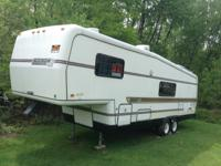 For sale 1989, 29ft. Camper in very good condition.