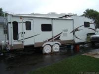 2006 Keystone Laredo 28RL (30').  1 slide out, AC,