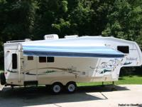 CAMPER: 5th WHEEL WILDCAT BY FOREST RIVER CAMPER FOR