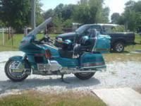 WE HAVE FOR SALE A FULLY LOADED 1992 HONDA GOLDWING