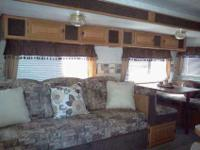 Travel Trailer Wilderness 2004 . 31' The inside is