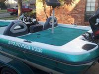 2001 Bumble Bee 290 Super Vee twenty feet 200
