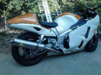 2005 Suzuki GSX1300R Hayabusa. Custom paint, lowered