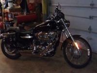 2007 Harley-Davidson Sportster Custom Xl1200c with just