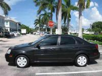 This 2007 Suzuki Forenza 4dr Premium Sedan features a