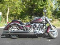 2006 YAMAHA ROADLINER, Black Cherry,