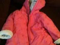 Infant girls coat size 6/9 months in like new