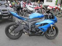 2009 KAWASAKI NINJA ZX, Two-tone Candy Surf Blue / Flat