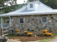 MOUNTAIN VIEWS! RENOVATED FARMHOUSE WITH 2 BEDROOMS &