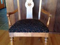 6 beautiful Ethan Allen dining chairs. 2 arm chairs and