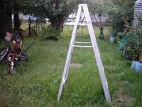 6 foot Used aluminum folding step Ladder, as shown. All