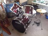This is a nice drum set, that has the snare, 2 toms, a
