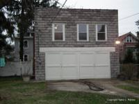 1b/1b Garage house for rent in the East End. Located in