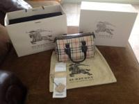 Authentic and in mint condition Burberry Haymarket