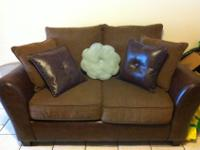 I am selling this beautiful very elegant 3 piece sofa