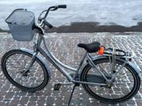 2 year old Batavus, dutch style bike for sale with