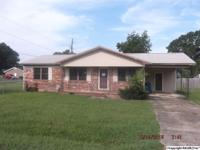 JACKSONVILLE - NICE 3 BEDROOM 2 BATH HOME, LOCATED NEAR