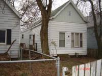 FIXER UPPER - $6000 CASH - 3 bdrm house w/ large LR -