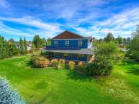 Beautiful home in SE Bend on a .5 acre lot is ready to