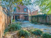 Beautiful detached, flounder-style home in the heart of