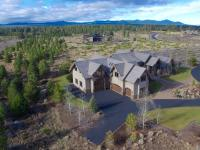Exquisite estate home in the Highlands at Brokentop.