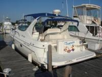2000 Cruisers 3375 Express located in Warwick, Rhode