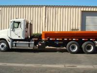 2004 Freightliner COLUMBIA, Very low 158,000 miles,