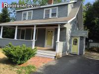 2 rooms available in house in Kingston, MA. Convenient