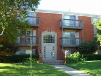 Lovely 2 bedroom/1 bath condo in Urbana, available now!