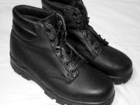 "A like new pair of Women's Bates 6"" US Navy Durashocks"