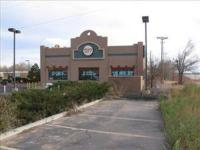For lease or sale 5500 sq/ft building. Parking, free
