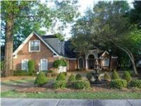 Lovely brick home on 1.5 acre, 4/3, formal living room,