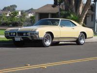 Beautiful garaged 1968 Buick Riviera collector