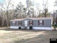 Adorable 3 bedroom 2 bath 2009 Horton MH on 5 acres in