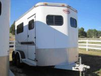 2000 2 horse Sundowner Valuelite aluminum trailer.